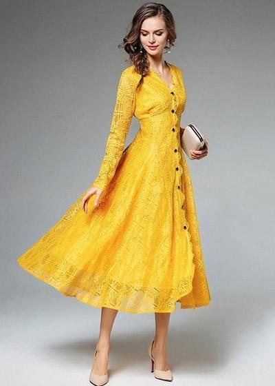 7e10f3795a Compre Vestido Renda Midi Manga Longa com Botões na Frente Amarelo