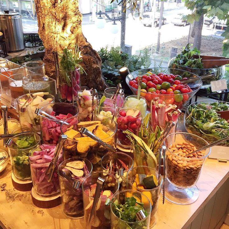 03 November 2016. #スーパーフード と #オーガニック のサラダデリビュッフェ✨ 珍しい野菜ばかりで楽しかった💖 #コスメキッチンアダプテーション #恵比寿 #ランチ #糖質制限 #vegan #healthyfood
