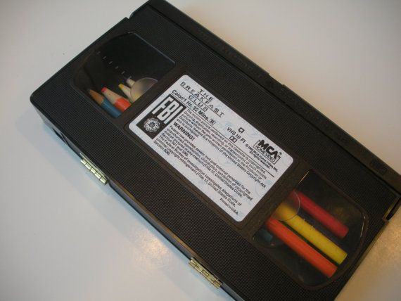 6 Creative DIY Ideas For Those Unwanted VHS Tapes #ZAGGdaily #DIY #VHS
