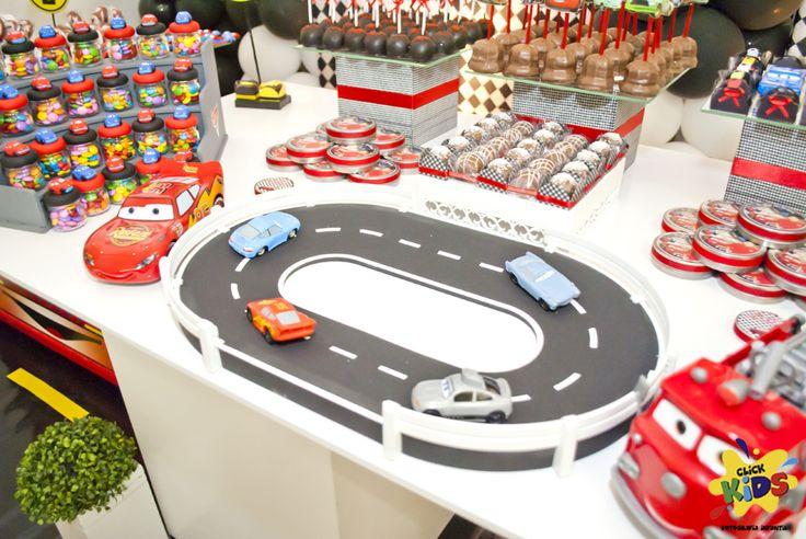 Mais fotos da festa carros, agora com a assinaturas das meninas da click-kids que estão arrasando com o seu trabalho  Os doces é cl...