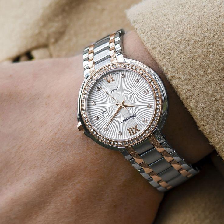 Eine wunderschöne Auswahl an Uhren, Schmuck und Trauringen findest du jetzt online bei uns!