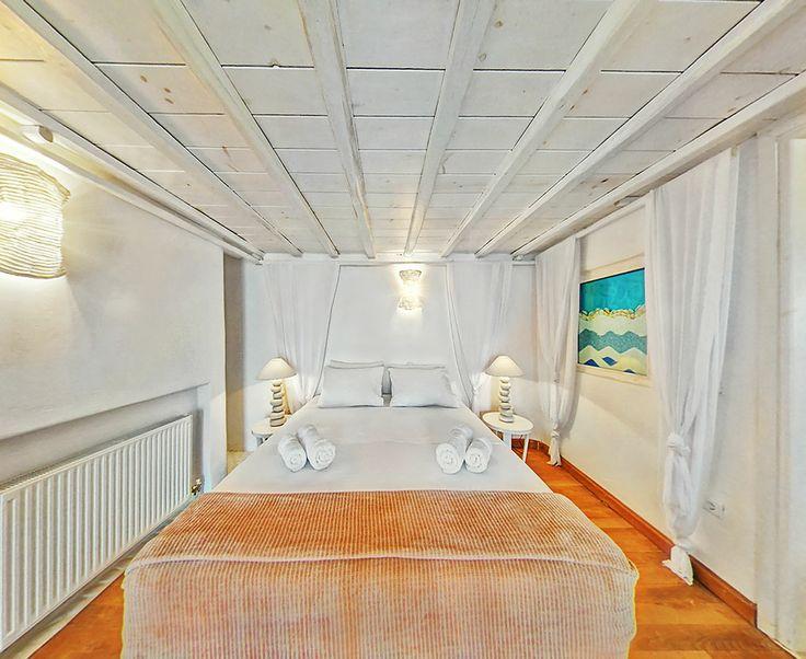 Castor villa bedroom