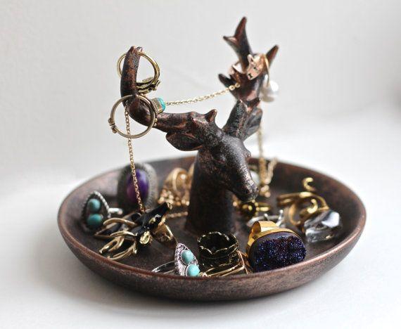 les 25 meilleures id es concernant porte bijoux en bois de. Black Bedroom Furniture Sets. Home Design Ideas