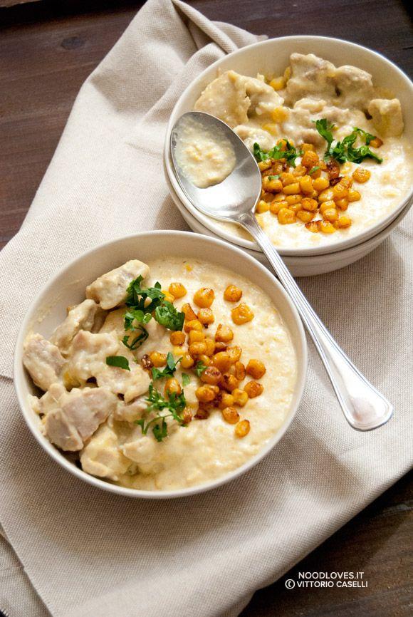 Il sapore e la morbidezza del pollo al latte, accompagnati da una cremosa e saporita zuppa di mais. Un comfort-food tutto invernale che riscalda l'animo.