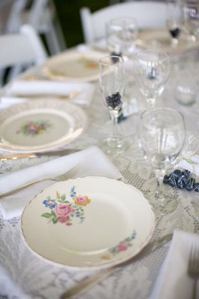 If you are going for a romantic, vintage, casually elegant feel at your wedding, nothing completes the look like mismatched china place sett...