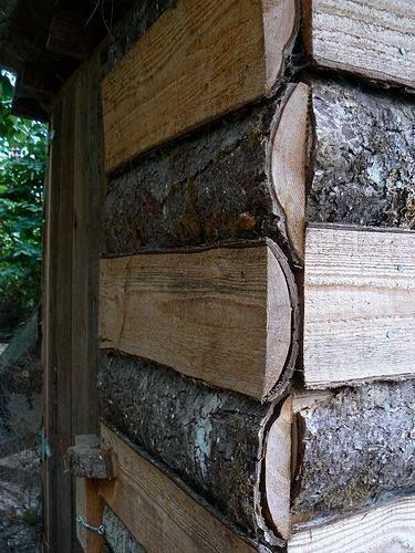 Using free scrap from a lumber mill to build a shed