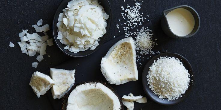 Wat wij kokosmelk noemen is niet het licht troebele sap uit de noot, maar het witte vocht uit geraspte kopra, die hiertoe wordt gekookt en vervolgens...