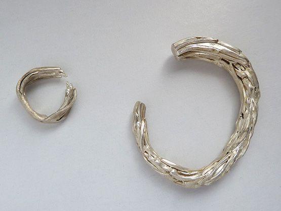 Brazalete y anillo de Mariana Zarama. Plata 0.925