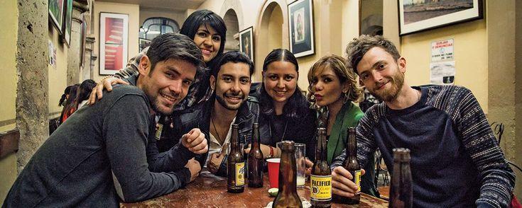 Los mejores bares y cantinas para tomar tragos en Guadalajara. Nos dimos a la tarea de recorrer algunos establecimientos que, a pesar de no ser tan conocidos, son cuna de los mejores platos y tragos de la Perla de Occidente. ¡Atrévete a descubrirlos!