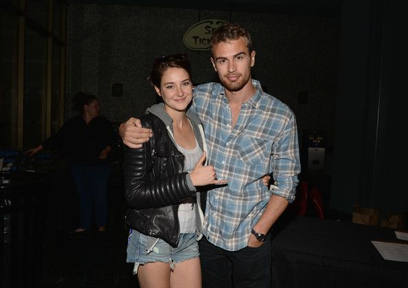 Actress Shailene Woodley and actor Theo James attend Summit Entertainment And Allittakes.Org's Private Screening Of 'Divergent' at Muvico Theaters Thousand Oaks 14 on March 17, 2014 in Thousand Oaks, California.
