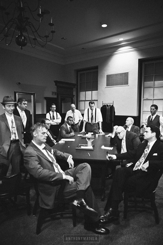 12 angry men jury deliberation 12 angry men: sample essays (justice/jurors) reginald rose's twelve angry men explores the deliberations of a jury rose demonstrates this though the jury.