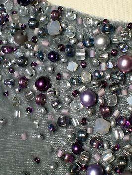 Perlenstickerei