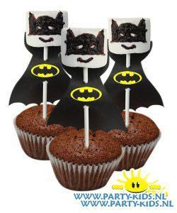 Batman op cakeje - Bioscoopfeest, Traktatie snoep, Traktaties - En nog veel meer traktaties, spelletjes, uitnodigingen en versieringen voor je verjaardag of kinderfeest op Party-Kids.nl