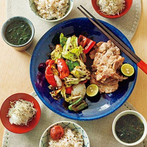 豚肉のソテーと野菜のみそ炒め / 岩のりのみそ汁