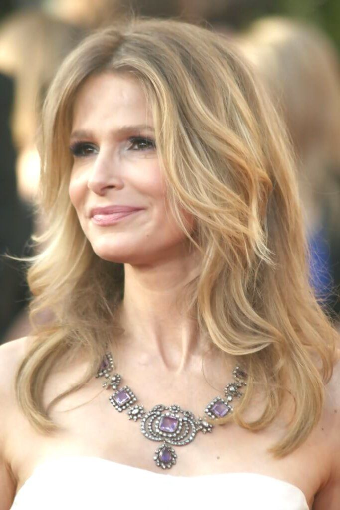 30 Beautiful Long Hairstyles For Over 50 Women Hairstyle Fix In 2020 Hairstyles Over 50 Long Hair Styles Hair Styles