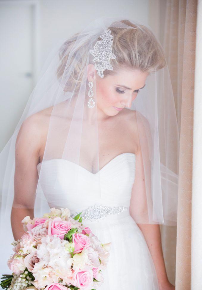 véu de noiva médio com acessório