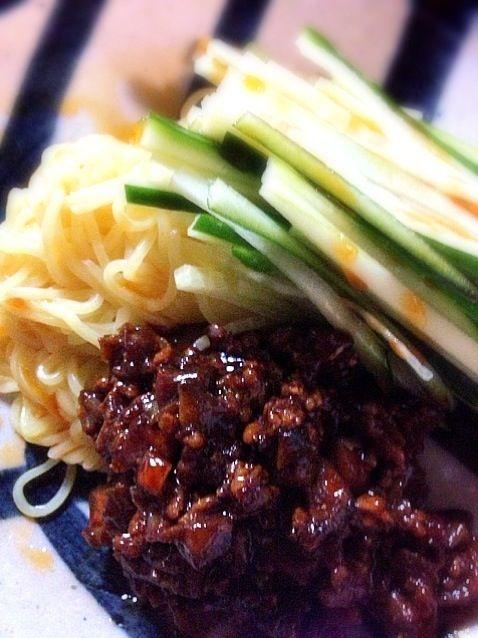 今日は寒いけれど アツアツの中華スープと一緒だったら良いよねぇ*(*´∀`*)* - 15件のもぐもぐ - ジャージャー麺 by 15chan