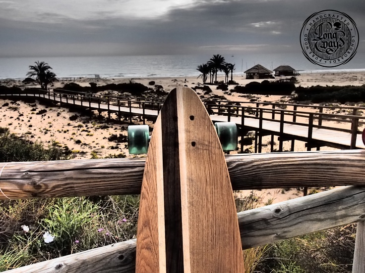 Venice L on the beach. Long Days Longboards. Handcrafted. Pure wood. Retro. Vintage skate.
