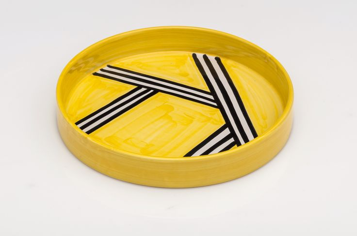 Holder diametro 28cm in ceramic design Tria Giallo