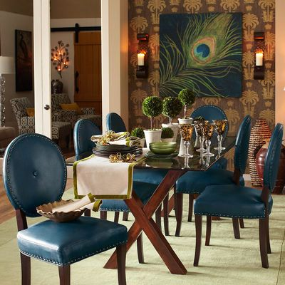 OMG this dining room is perfection. The apartments we are looking at don't have dining rooms, just EIK, but this could potentially fit.I absolutely adore this.
