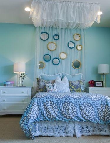 зеркала над кроватью в спальне