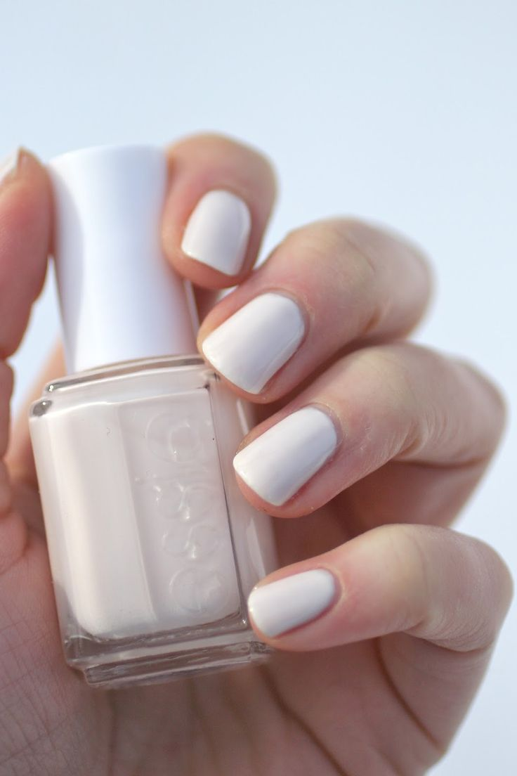 White color nail art - Essie Baby S Breath Creamy Off White Polish Lacquer Vernis