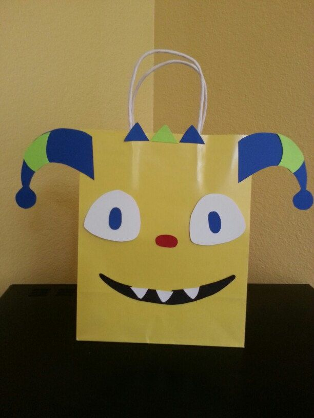 Henry Hugglemonster inspired goodie bag pattern.