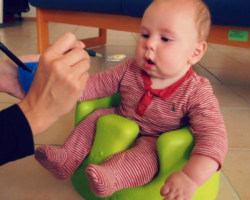 PLEASE READ BEFORE FEEDING YOUR CHILD THEIR FIRST SOLIDS!! New Findings on When to Start Solid Foods | The Shopping Mama