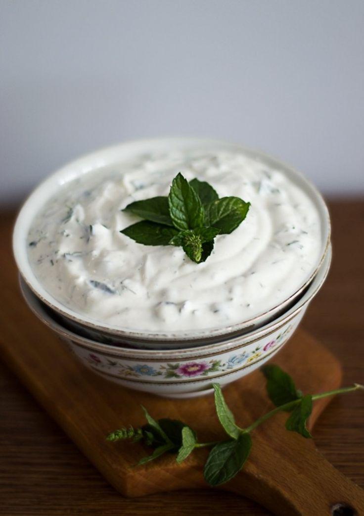 Sos jogurtowo- miętowy do dań z grilla