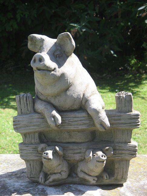 Pig (E) Garden Statue