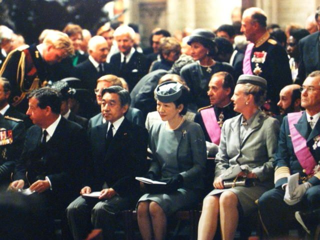 Their Majesties attended the funeral for King Baudouin I in 1993. It was the only case for Japanese Emperor and Empress to attend the funeral of foreign monarchy.