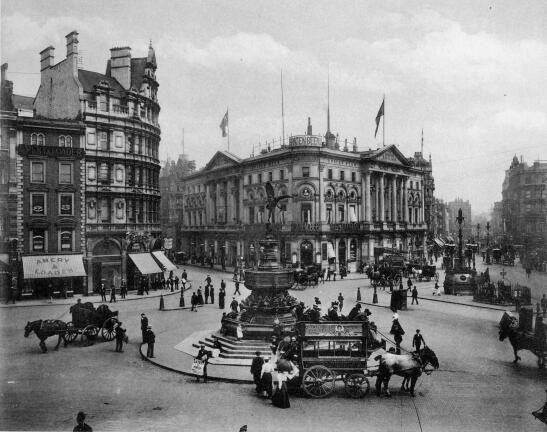 Piccadilly Circus, 1890. London.