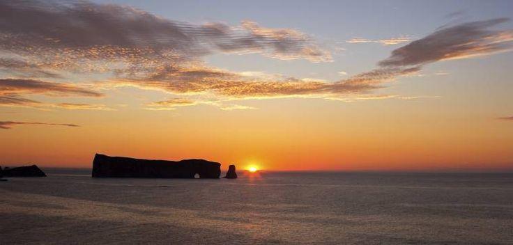 Lever de Soleil (Sunrise),Rocher  Percé  Gaspésie  QC CANADA