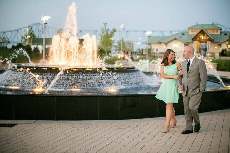owensboro ky fountain dressy engagement pictures peacock wedding
