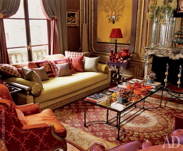 Living room. Ottoman, designer Jean-Louis Block (aka - the author of the curtains). The upholstery on the armchair, Jim Thompson