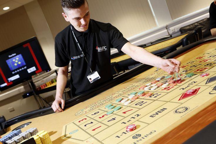 Online casino dealer training