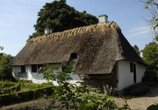 Træskomagerhus fra Kirke-Søby - Frilandsmuseet - Nationalmuseet