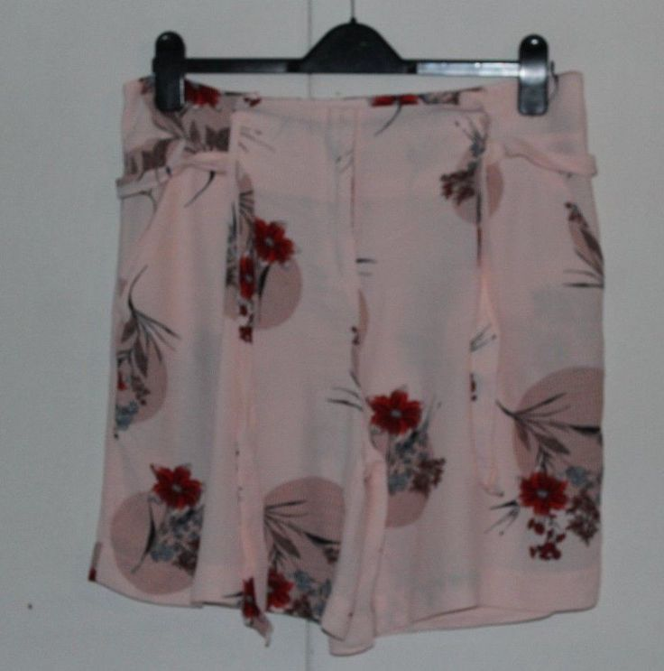 Size 14 MARKS AND SPENCER COLLECTION Pretty Pink Shorts with Matching Belt