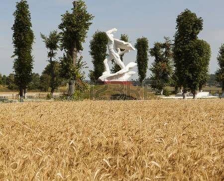 bielorrusia: Monumento a los soldados caídos. Bielorrusia.