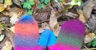Nu het toch herfst is geworden, komen de handschoenen weer tevoorschijn. Je kunt handschoenen kopen, maar zelf breien is nog veel leuker en ...