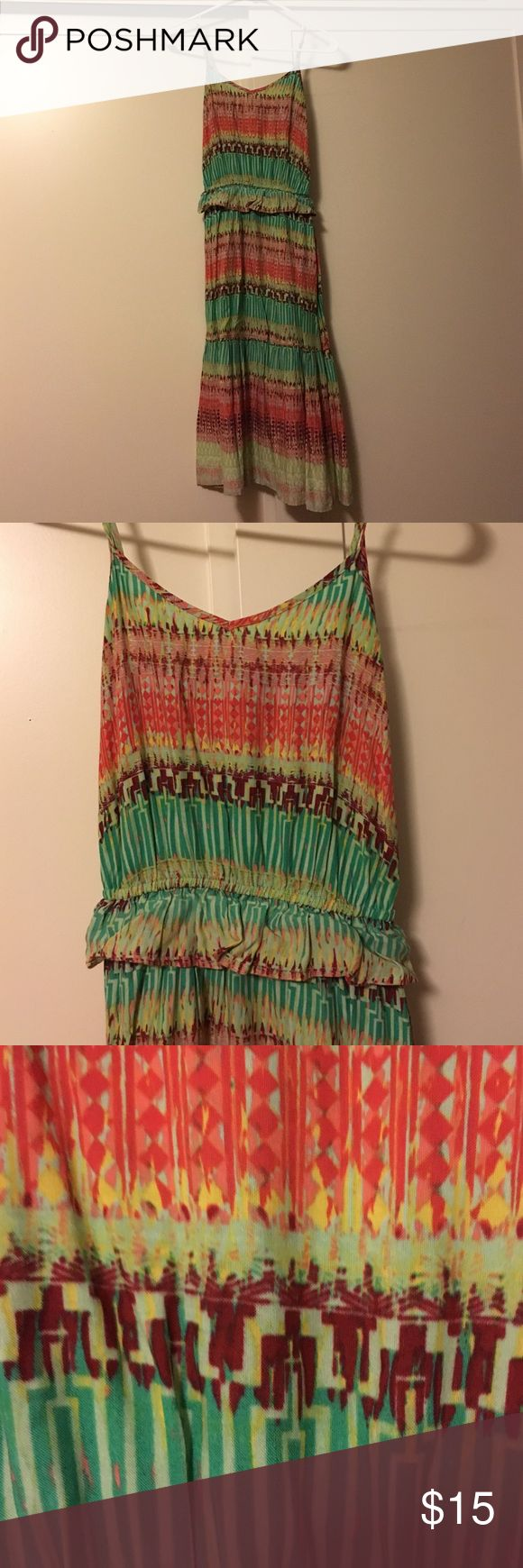 Mossimo colorful sun dress Xs Mossimo Target sun dress... Very colorful... Midi dress... Flowy mermaid Mossimo Supply Co Dresses Midi