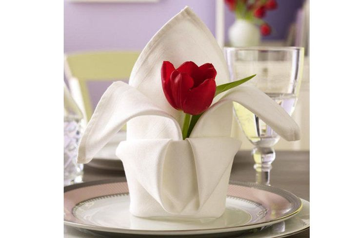 about HOW TO FOLD A NAPKIN on Pinterest  Creative, Napkin folding