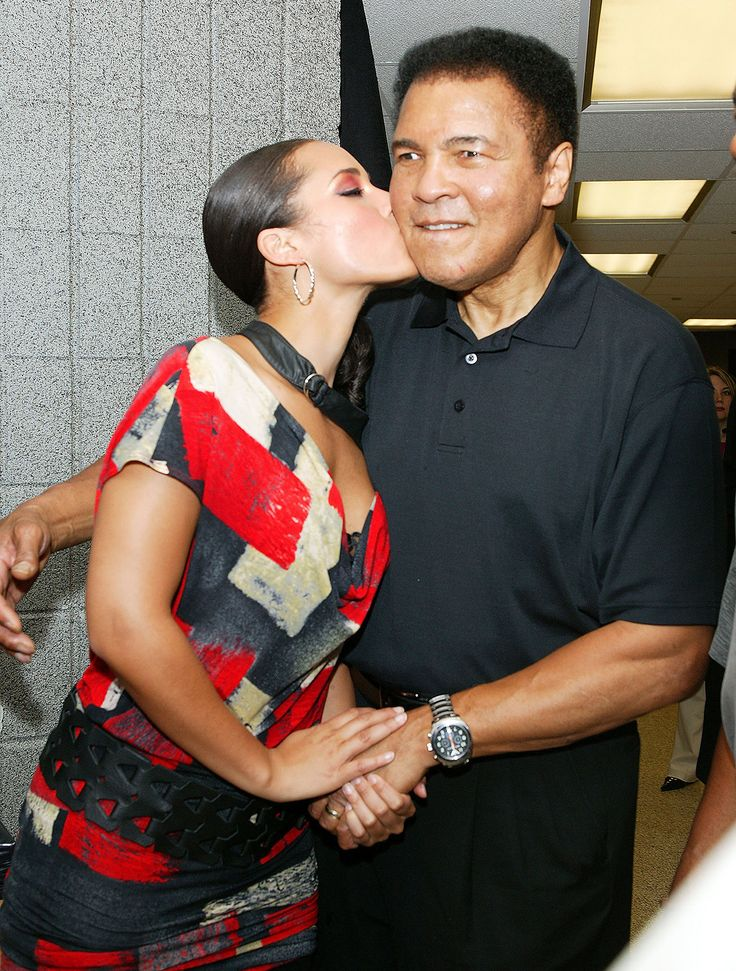 Alicia Keys & Muhammad Ali Alicia Keys and Muhammad Ali pose backstage during the MTV Networks UpFront at the New York's Theater at Madison Square Garden May 5, 2004.