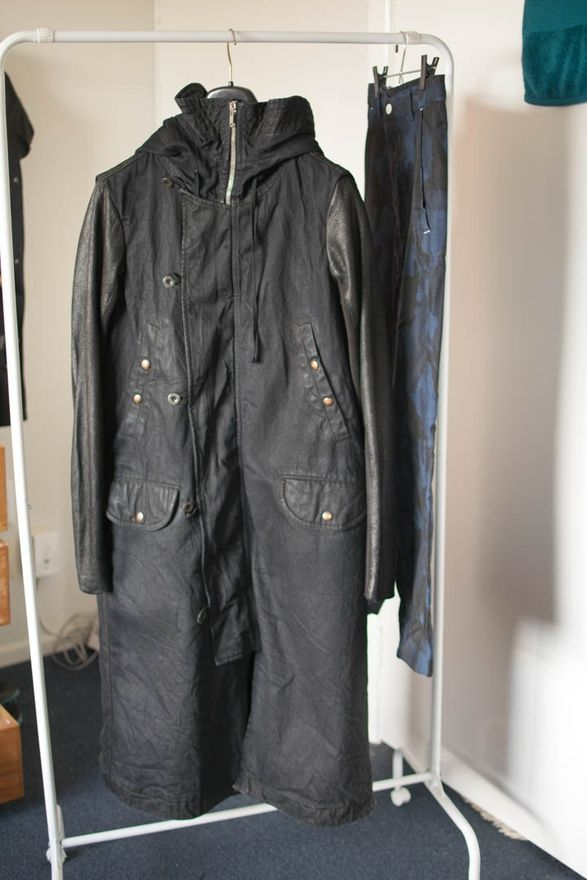 Silent goat skin waxed cotton parka