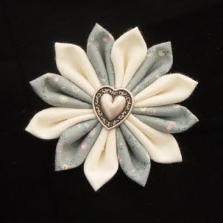 How to make fabric flowers Dreamstar Diary: Handmade Monday Week 11 - The Kanzashi Fabric Flower