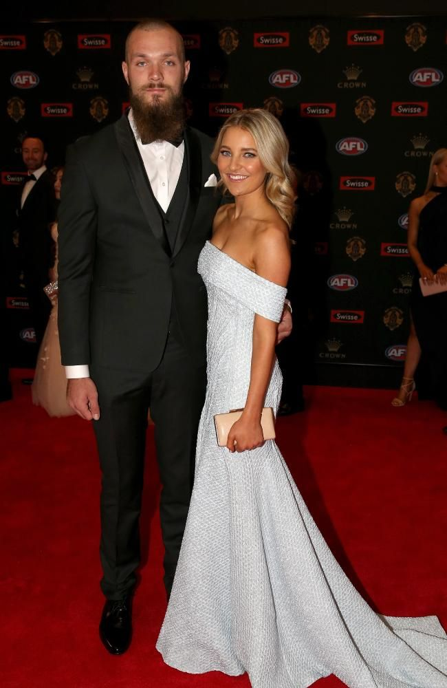 Jessica Todd wearing Georgia Young Couture to the 2016 Brownlow Awards