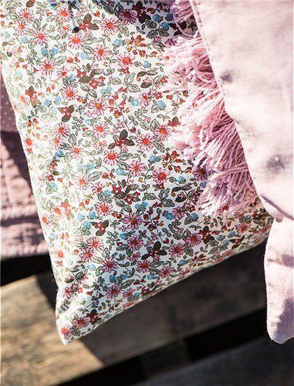 Kissenbezug Blumenmuster von Ib Laursen ✓Kissen ✓Neuheiten ✓Top ...