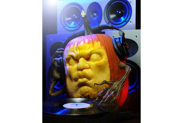 Have a sonic Halloween! @Optivion ハロウィーンの夜はカボチャDJにまかせとけ! なんというクオリティー!