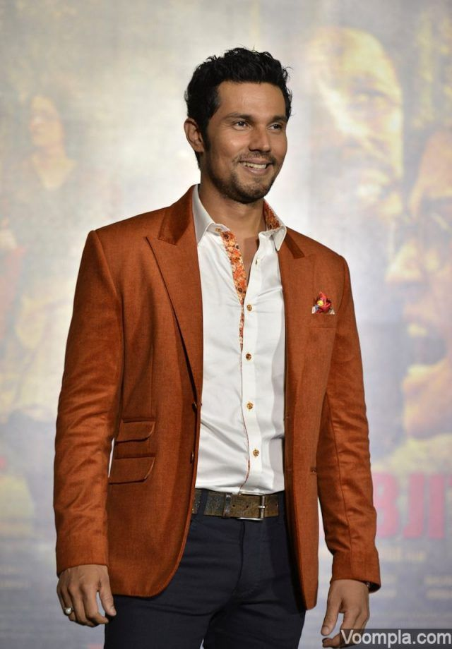 Randeep Hooda style rust coloured blazer jacket Sarabjit trailer launch