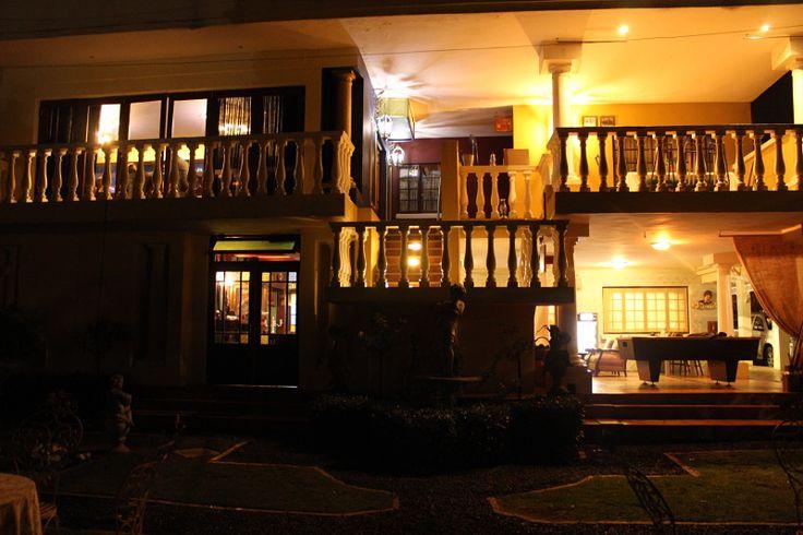De Ark Guesthouse back at dusk
